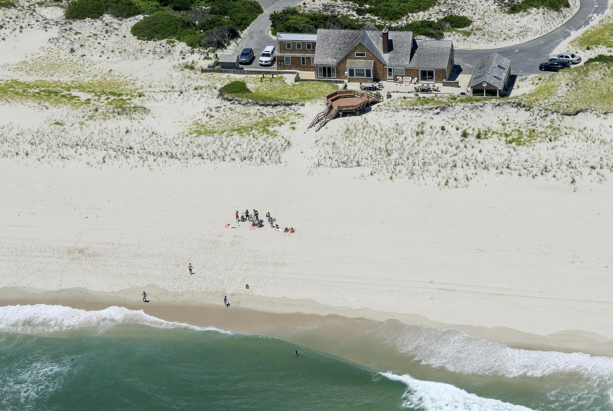 Chris Christie goes to the beach
