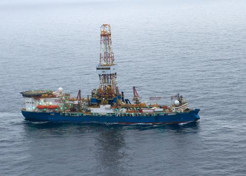 Noble Discoverer, Shell's Arctic drill rig: US Coast Guard via Flickr